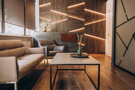 empty-flat-interrior-with-elements-decoration.jpg