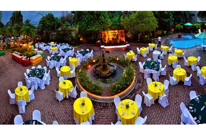 Hotel Fleuris Palawan Courtyard 3 (1).jp