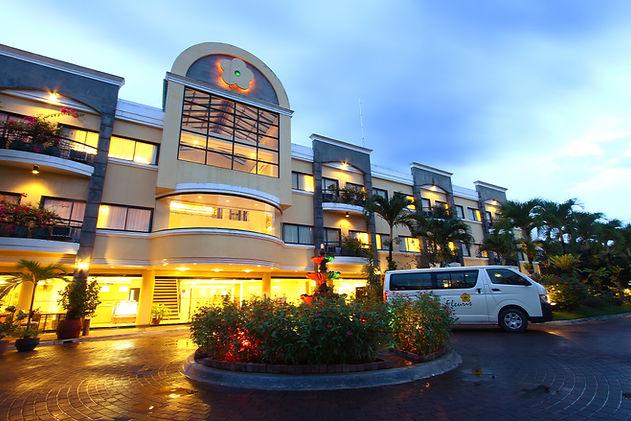 Hotel Fleuris Facade.JPG