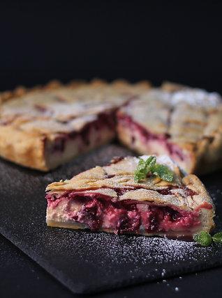 Тарт з крем - сиром та вишнею 1600 г.