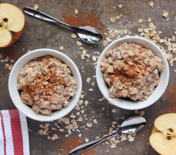 Porridge with sliced apples & cinnamon