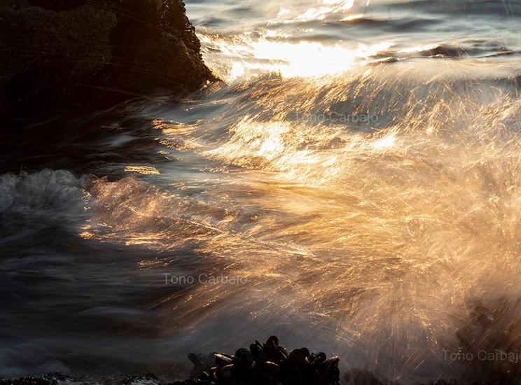 Momentos en los que el sol se hace líquido y el mar es luz.