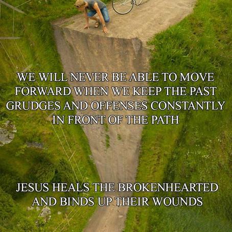 Jesus Heals the Brokenhearted