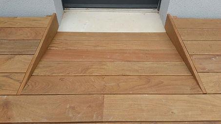 détail terrasse bois exotique. lmj77