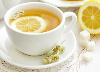30 Poderosas razones para tomar agua con limón todas las mañanas