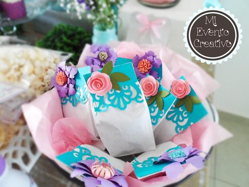 Mesa con el tema atrapasueños floral #dulces