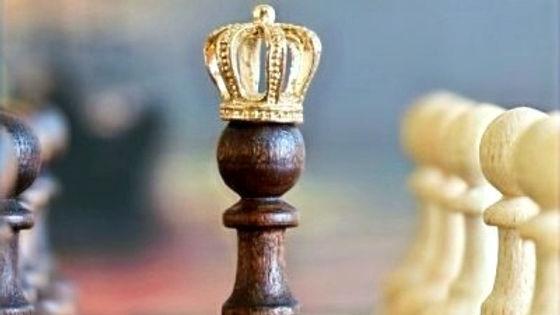 Chess-King-Wearing-Crown-400x300_edited_edited.jpg
