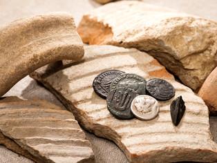 """Estropeó una moneda antigua y argumentó: """"no estoy obligado a pagar"""""""