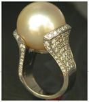 25 mm south sea pearl set with diamonds_