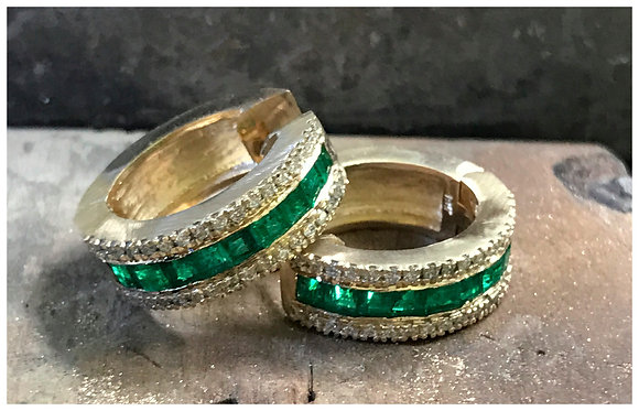 Earrings in 18k gold with with Emeralds and Diamonds
