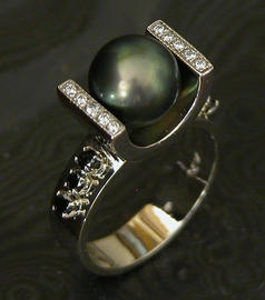 Blackpearl,black diamonds14k.JPG