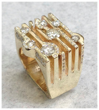 14k Gold-Ring with Diamonds