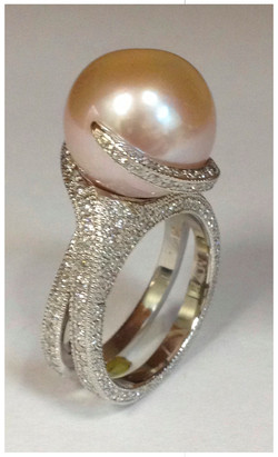 Pearl with Diamonds