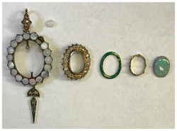 All the components of the pendant