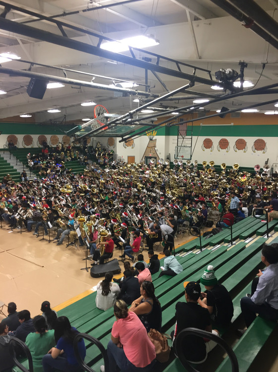 Rivera Students Take Part In Holiday Record Breaker!