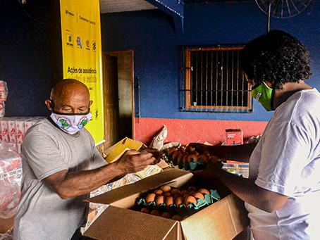 Famílias do projeto PAIS realizam atos de solidariedade e produzem alimentos para famílias carentes