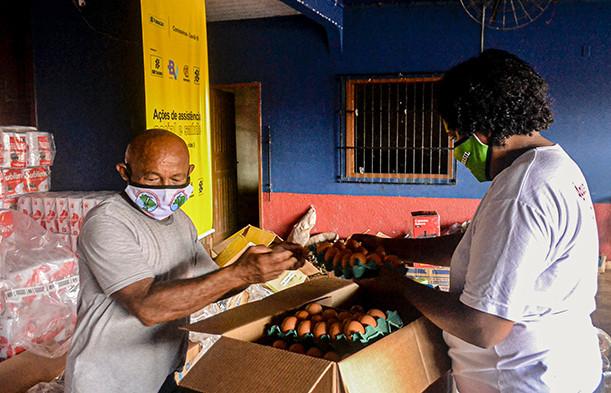 Atingidos organizam cestas básicas em Altamira, no Pará.