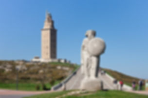 800px-Torre_de_Hércules_-_DivesGallaecia