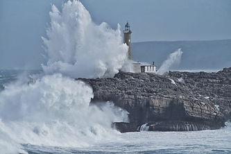 isla-mouro-temporal-olas-santander.jpg