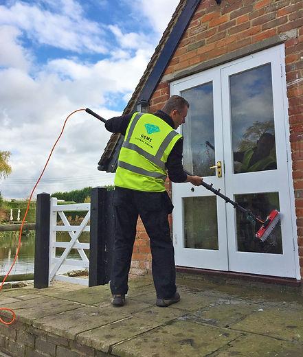 Orpington window cleaner