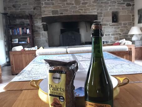 Bulle d'air Conciergerie vous accueille dans le Finistère Sud: du cidre et des palets 100% breton