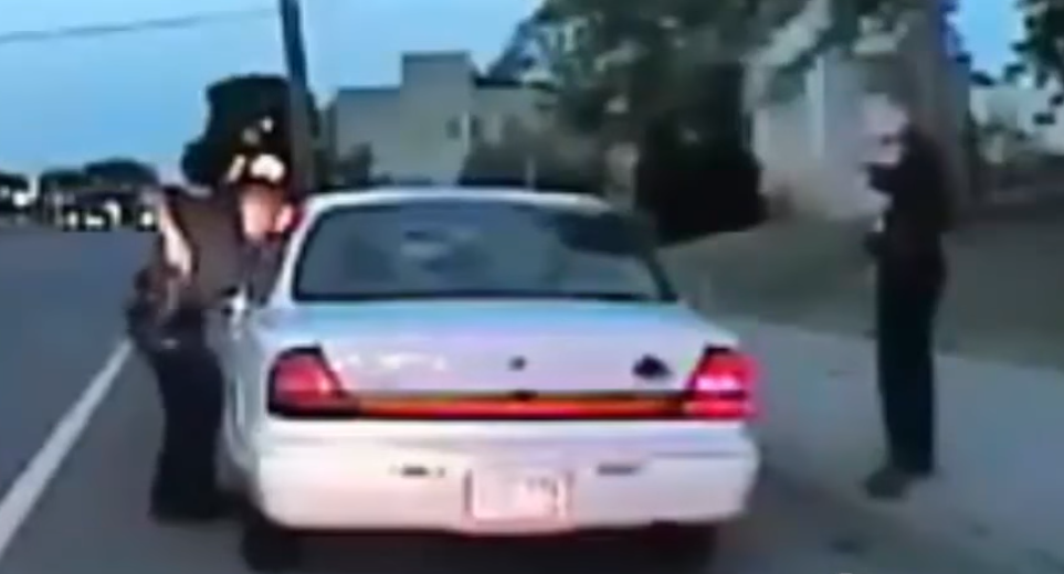 """Officer: """"Don't Pull It Out"""" (21:05:59)"""
