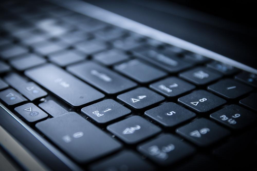 клавиатура в ноутбук, замена клавиатуры в ноутбуке, не работают кнопки на ноутбуке, 220бит 220bit, Клинцы