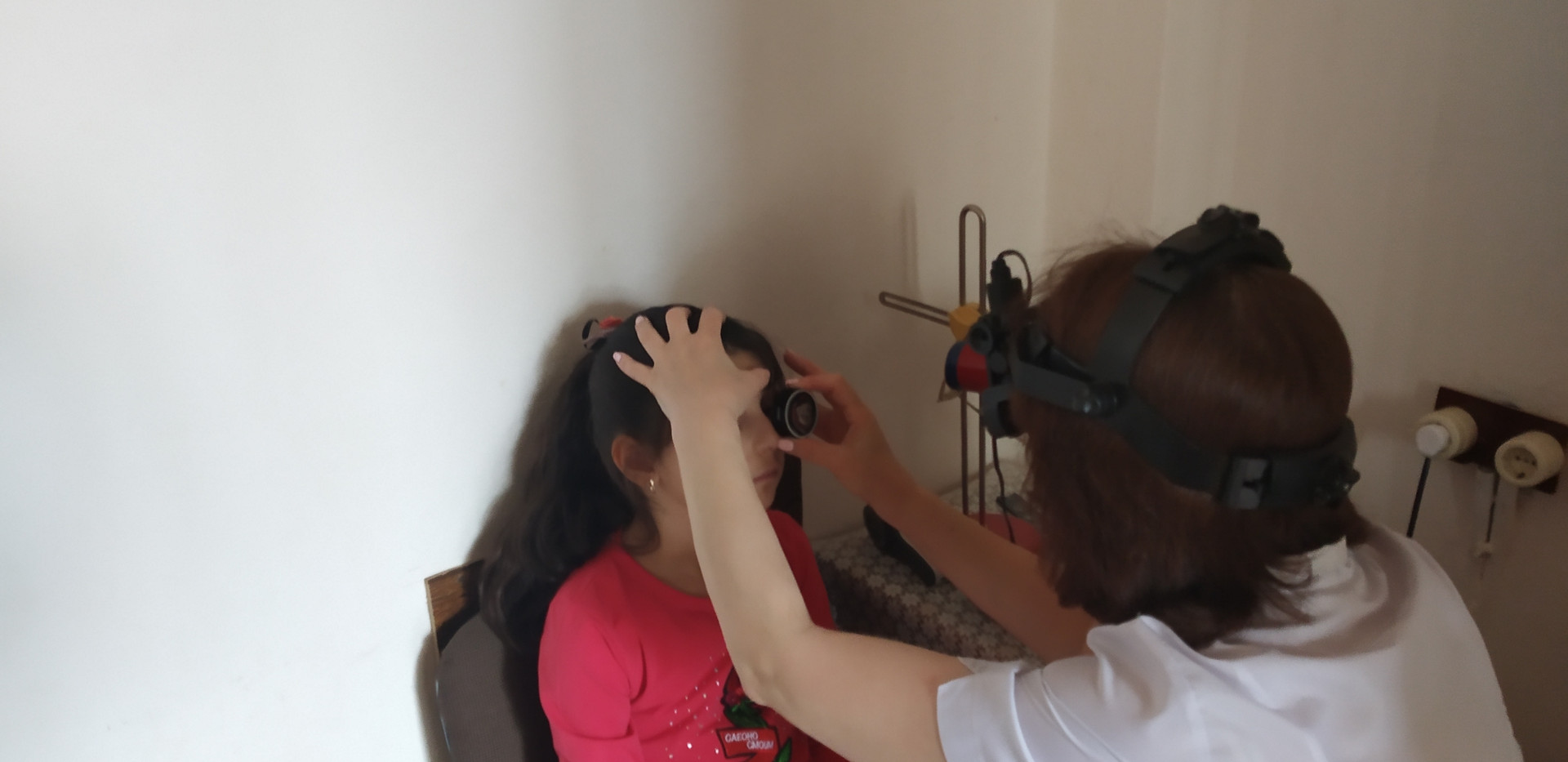 Офтальмоскоп налобный бинокулярный.jpg