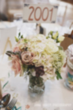 Wedding Flowers at the Guild Hall, Winchester, Photo by Anna Hardy