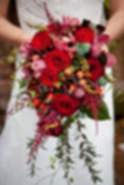 Wedding Flowers at Northbrook Park Surrey, Photo by Bill Sykes Weddings