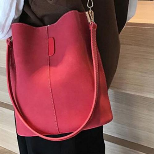 Blake Shoulder Bag -Red