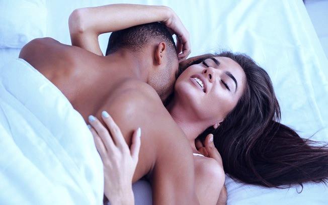 Por que você não deve fingir orgasmo durante o sexo com o seu parceiro?