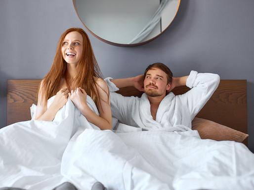 Descubra gafes que mulheres e homens cometem na cama e evite-as