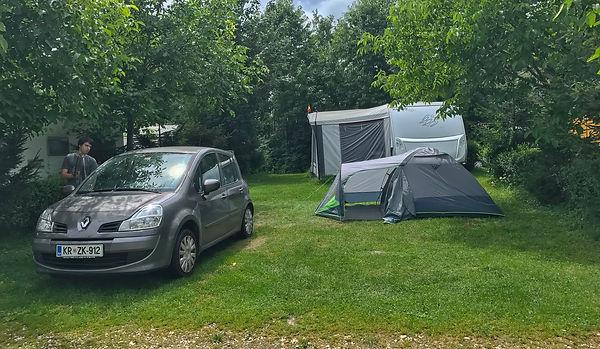 Pod plahto - kampiranje v Romuniji