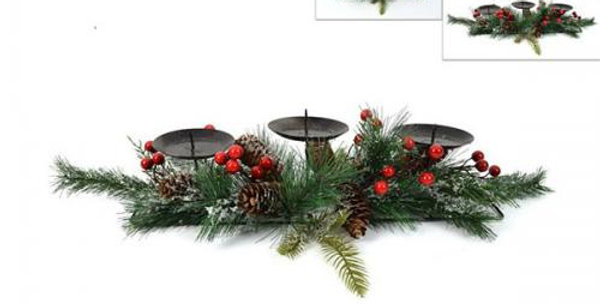 Pine and Berry christmas candle centrepiece