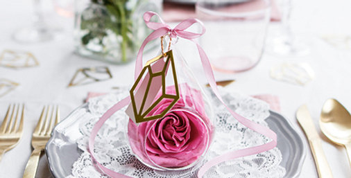 Hanging glass ornament, colourless, with a jute twine, sizes approximately 8 x 7