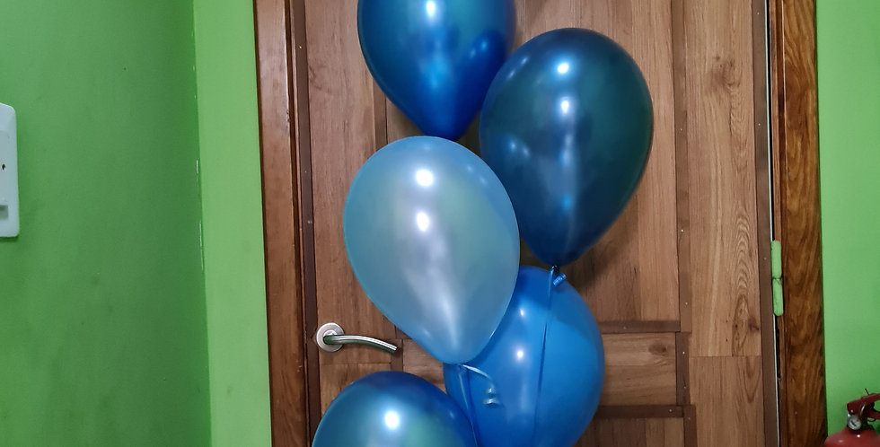 "7 latex 12"" balloons different shades of blue + baby shark foil balloon."