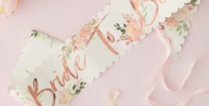 BRIDE TO BE HEN SASH - FLORAL HEN PARTY Make the bride-to-be fee