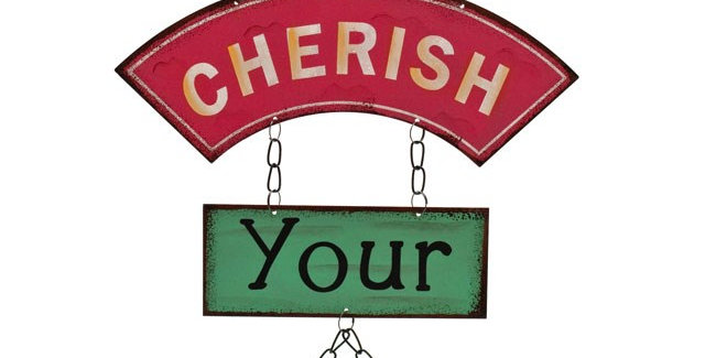 CHERISH YOUR FRIENDS METAL SIGN   34cm x 24cm x 18.2 cm