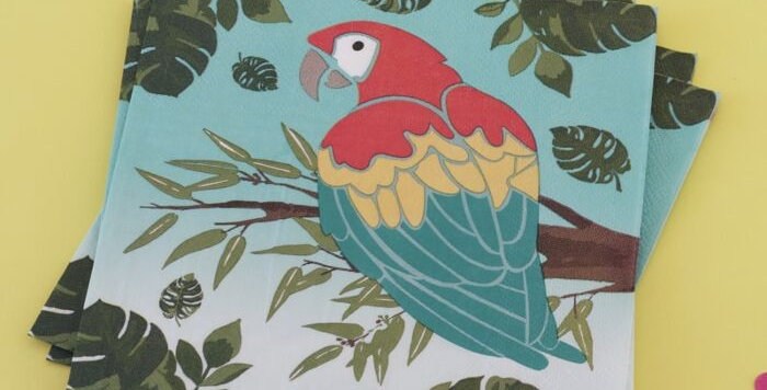 Add a touch of summer to any occasion with these stunning parrot design paper na