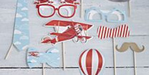 Add fun to your child's party with Vintage Plane Photo Booth Kit > 10 photo boot