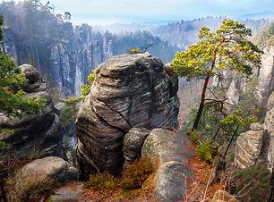 rock-town-in-bohemian-paradise-39329843.