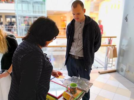 Dibina pirmo mācību uzņēmumu un piedalās aktivitātēs Valmierā