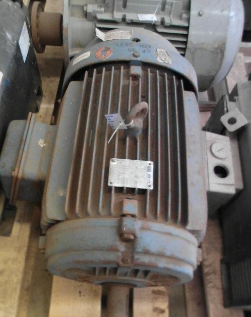 Motor de 3530 rpm, 30 hp #1862