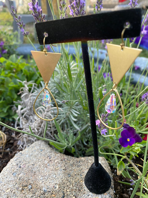 Golden Geometric Teardrop Crystal