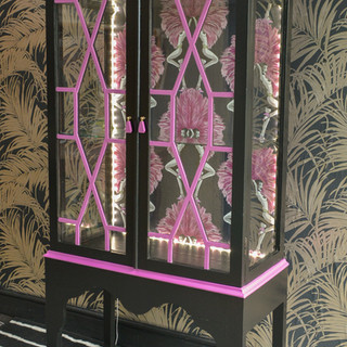 Painted Drinks Coctail Display Cabinet b