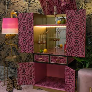 10 Zebra stencilled painted drinks cabin
