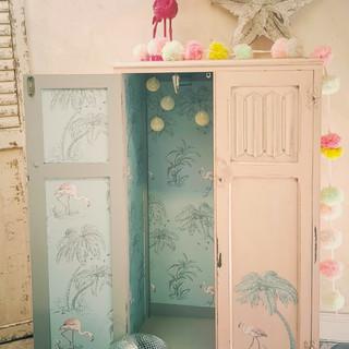 4 childs redesigned vintage flamingo war