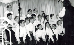Voice of LA boys Choir Valley Torah Banquet 1994-1 001 crop2