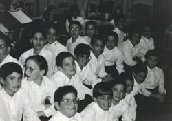 Voice of LA boys Choir Valley Torah Banquet 1994-1 001 crop